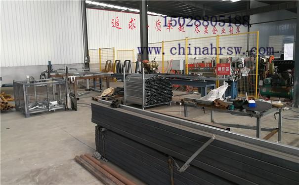 高铁刺丝滚笼生产过程