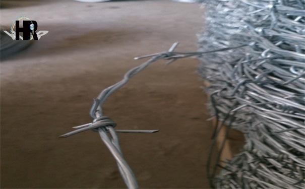 特殊地形如何安装镀锌刺绳