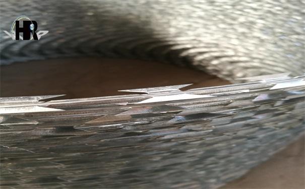 影响刺丝滚笼生锈原因