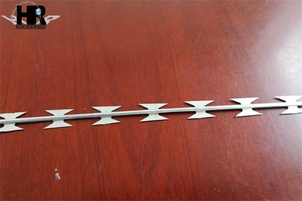 刀片刺绳是选择包塑还是镀锌